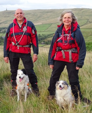 CVSRT Nell & Pepper with handers David & Ellie